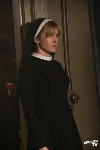 American Horror Story - Episode 2.05 - I Am Anne Frank, Pt. 2 - Promotional foto