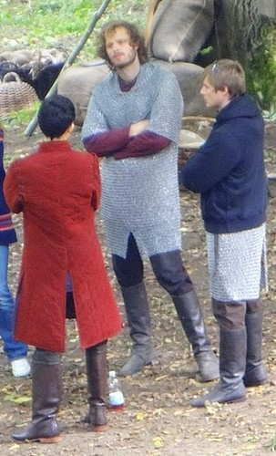 Arthur, Merlin & Leon ( new clothes for Merlin?)