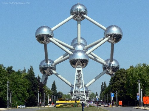 Europe wallpaper probably with a skyscraper entitled Atomium, Brussel