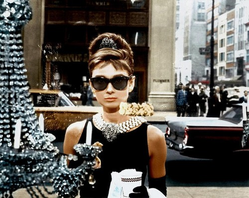 Breakfast At Tiffany's wallpaper titled Audrey Hepburn – Breakfast at Tiffany's
