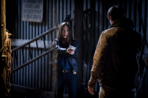 """Beauty And The Beast Episode 7 """"Out Of Control"""" vista previa imágenes"""