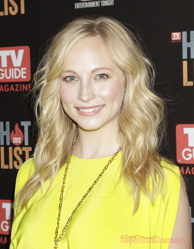 Candice attends TV Guide Magazine's Hot 一覧 Party - Arrivals {12/11/12}.