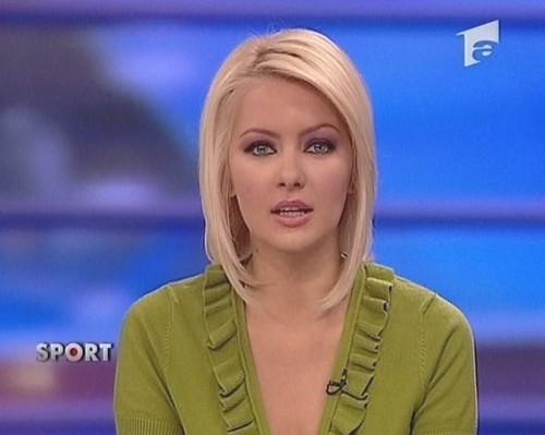 Cristina Dochianu beautiful newscaster romanian news women