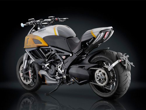 DUCATI DIAVEL door RIZOMA