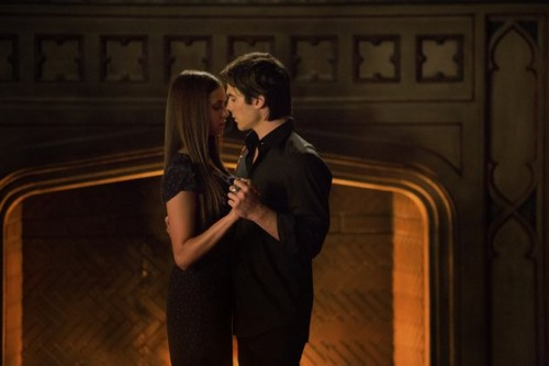 Damon and Elena Still 4x07 My Brothers Keeper
