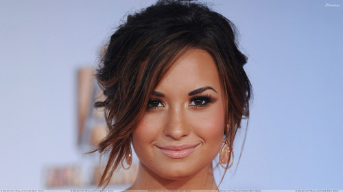 Demi Lovato wallpaper containing a portrait entitled Demi Lovato