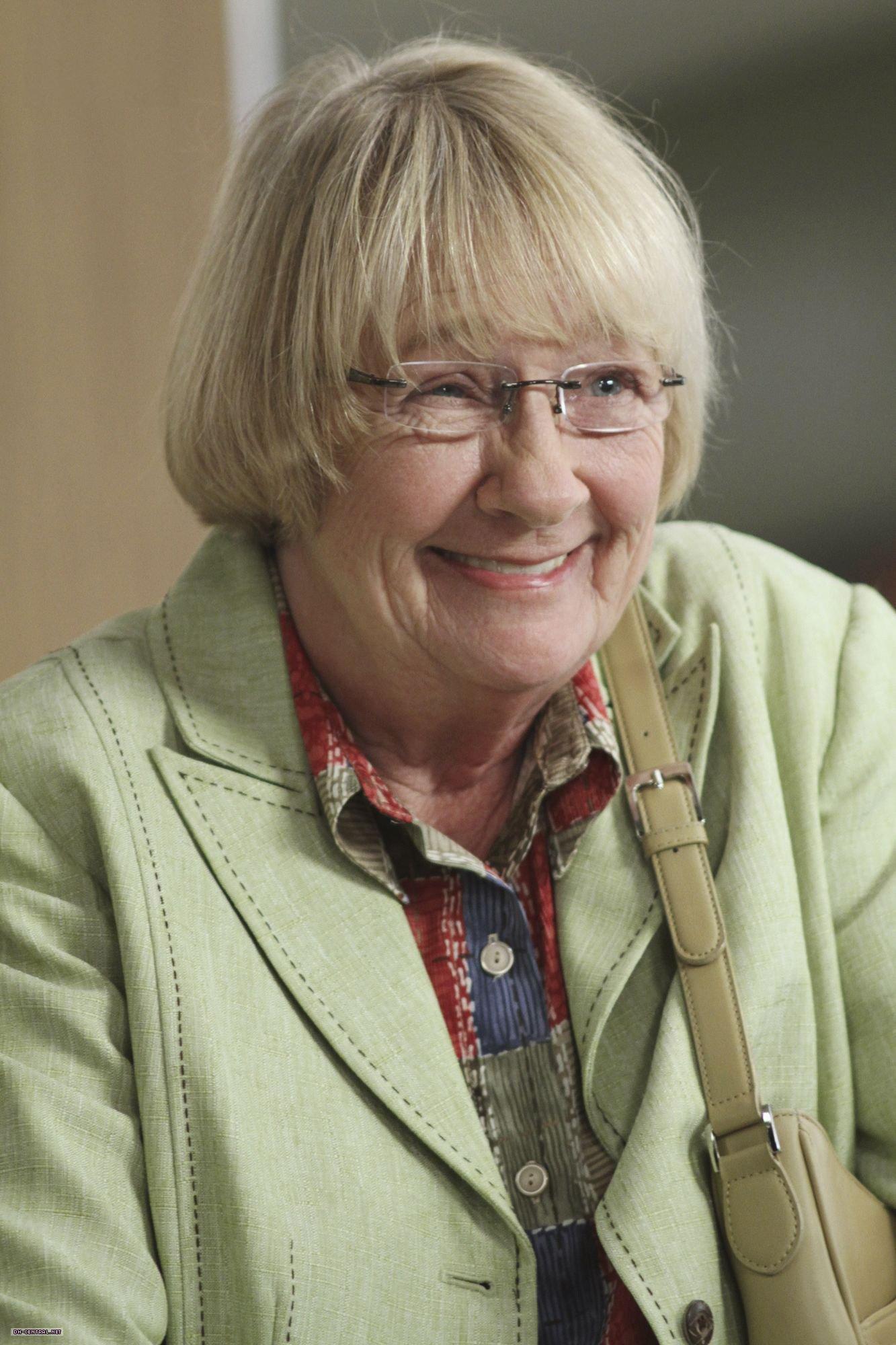 Loni Anderson born August 5, 1946 (age 72) advise