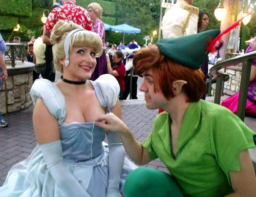 Princesses Disney fond d'écran called Disney Cosplay