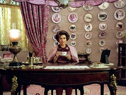 Dolores Umbridge wolpeyper