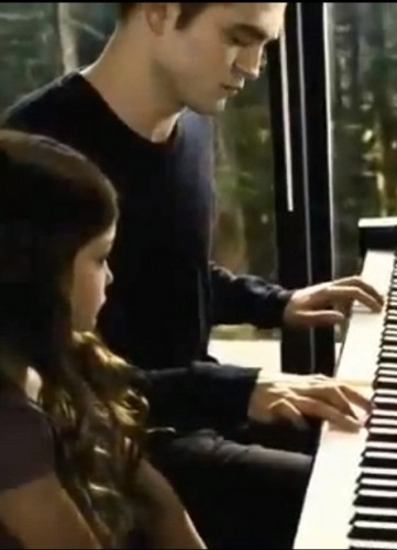 Edward and Bella images Edward playing Renesmee's lullaby ...