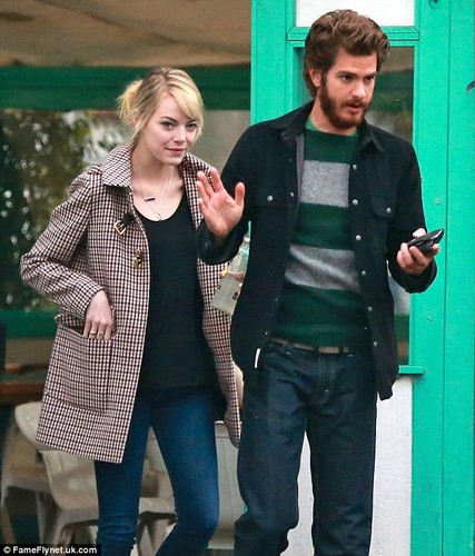 Emma and Andrew have ٹیکو lunch date, 9 November