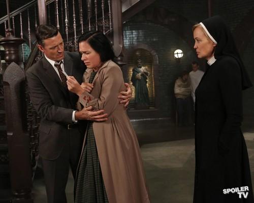 Episode 2.05 - I Am Anne Frank, Pt. 2 - Promo 사진