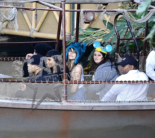Jackson Family + Niki Berger + Madina at Disneyland November 2012