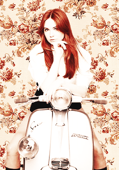 Amy Pond वॉलपेपर probably containing a motor scooter called Kazza Fanart!