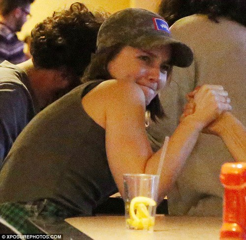 Leighton Meester out with vrienden at PinzBowling Alley California