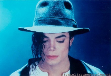 Michael Jackson wallpaper containing a snap brim hat, a campaign hat, and a fedora called Michael