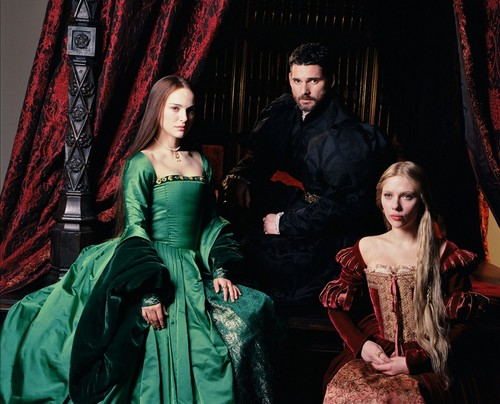 Anne Boleyn 壁纸 containing a 晚餐 dress titled New The Other Boleyn Girl Promo Shoot!