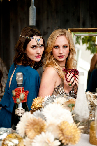New fotos of Candice for mostrar Me Your Mumu's 2012 Holiday Collection.