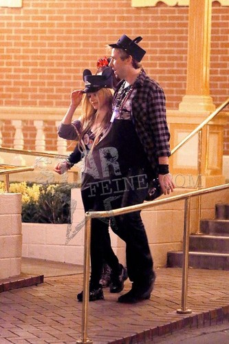 November 12 - Disneyland With Chad Kroeger - avril-lavigne Photo