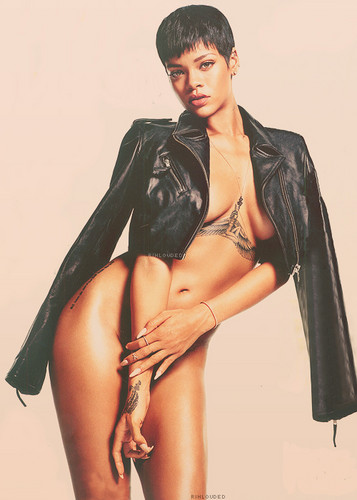 Rihanna wallpaper possibly containing a hip boot entitled Oh My God, Naked Rihanna!!!!! =O