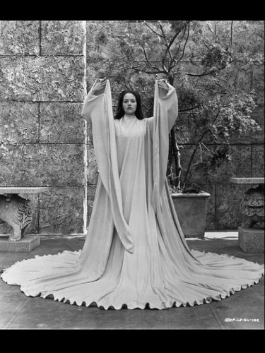 "Olivia Hussey - In ""Lost Horizon,"" Photo#2"