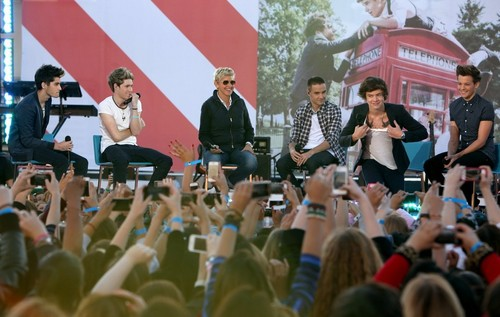 One Direction on Ellen toon