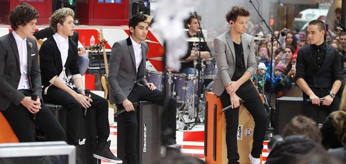 One Direction on The Today tampil