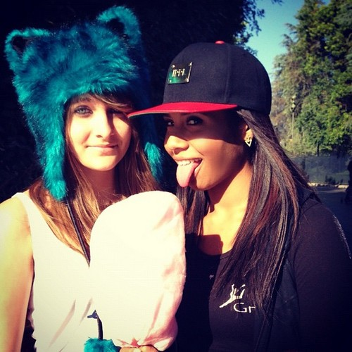 Paris Jackson with her cousin Genevieve Jackson ♥♥