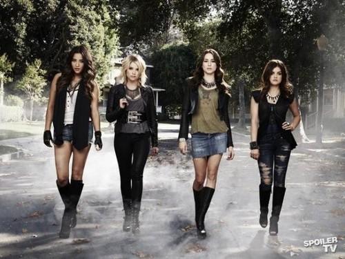 Pretty Little Liars - Season 3 - New Cast Promotional litrato