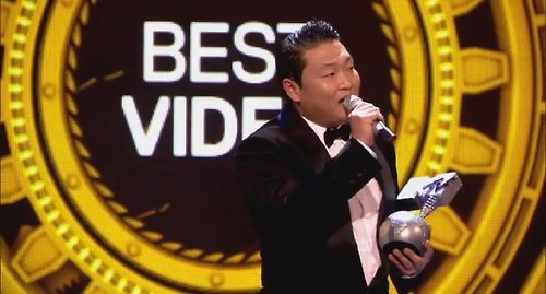 Psy @ 2012 EMA's