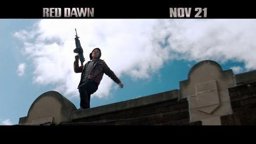 "Red Dawn-TV Spot ""Unlikely Heroes"""