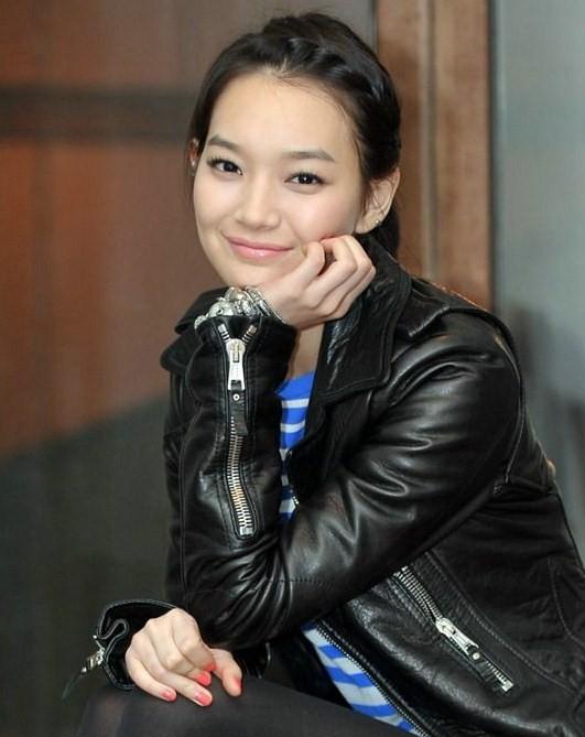 O Nome Da Rosa - [cap2 = pág 6] Shin-Min-Ah-korean-actors-and-actresses-32733795-531-669