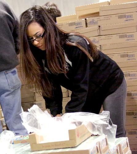 Survivor Series ngày Of Service - Gleaners thực phẩm Bank