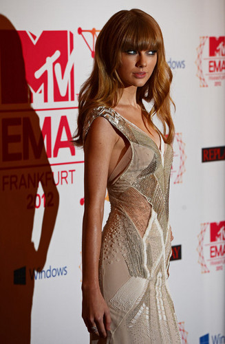 Taylor snel, swift at the MTV EMA's, 2012