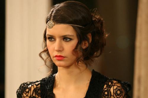 Turkish actress Beren Saat's makeup from her tv series Ask-i Memnu