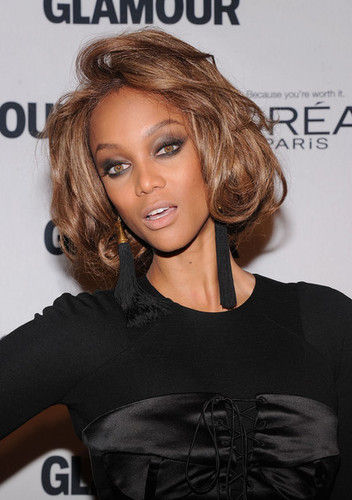 Tyra at the Glamour Women of the ano Awards
