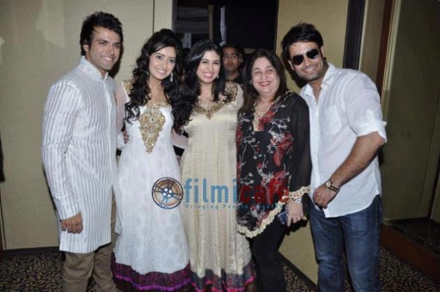 Vivian with vahbbiz,Rithvik ,Asha Negi