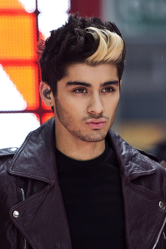 Zayn Malik wallpaper entitled Zayn Hottie Malik