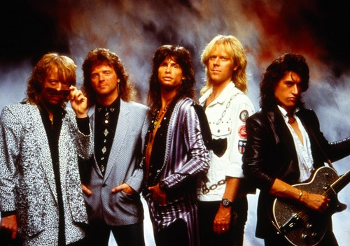 Aerosmith Hintergrund possibly with a well dressed person and a business suit called aerosmith Hintergrund
