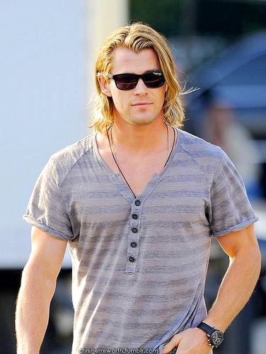 ★ Chris Hemsworth ★