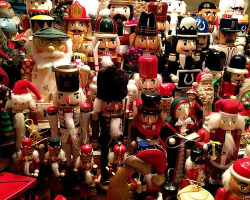 ★ クリスマス Nutcrackers ☆