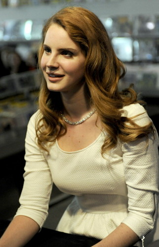 Lana Del Rey signs autographs