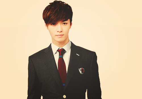 Lay-exo-m-32882898-500-350.png