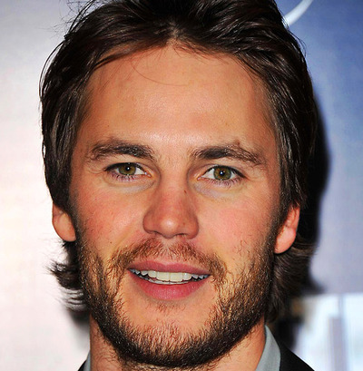 Taylor Kitsch Hintergrund containing a business suit and a portrait entitled ♥♥ Taylor Kitsch ♥♥