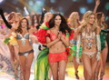 2012 Victoria's secret fashion show - finale