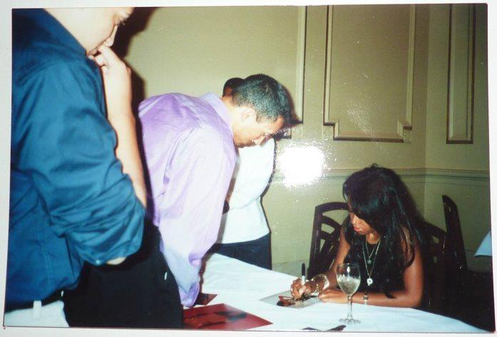 Aaliyah Album Signing 2001 at B.Smith's at Union Station in Washington DC *RARE*