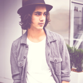 Av - avan-jogia photo