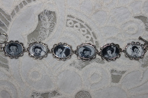 Black and White Retro BETTY BOOP bracelet