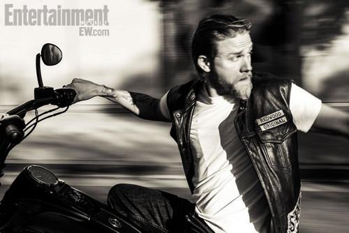 Charlie Hunnam - Entertainment Weekly Photoshoot