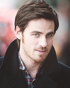 Colin O'Donoghue wallpaper possibly with a business suit entitled Colin O'Donoghue